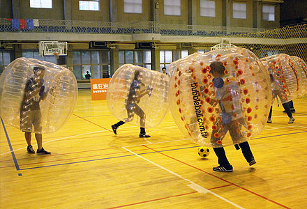20140530_BUBBLE_BALL_flyingV_Vevent_thumb_440_2